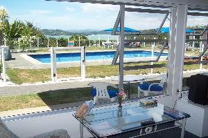 Poolside 2Brm