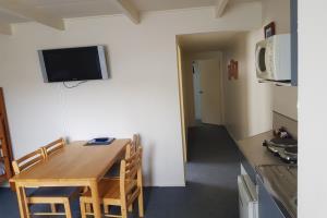 Motel for 6