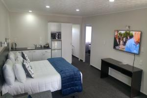 One Bedroom with Spa