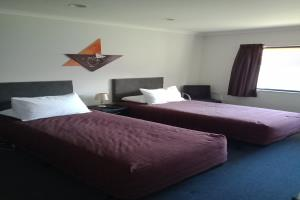 One Bedroom Twin