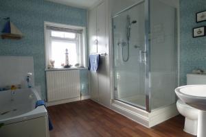 Double private bath