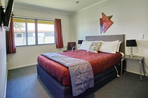 1 Bedroom Q+Single