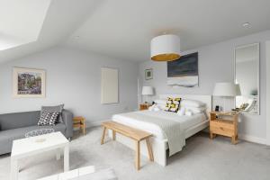 Calton Suite