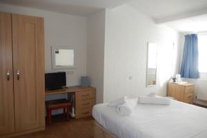 Room 15
