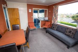 budget apartment 2