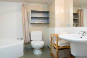 Studio- Spa Bath