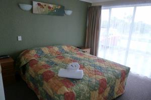 One Bedroom (slps 3)